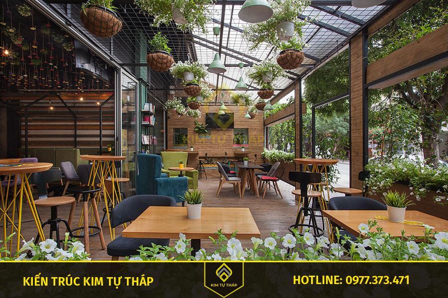thiết kế cafe phong cách sân vườn ấn tượng