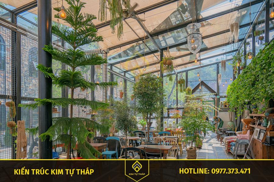 mẫu thiết kế cafe phong cách sân vườn ấn tượng